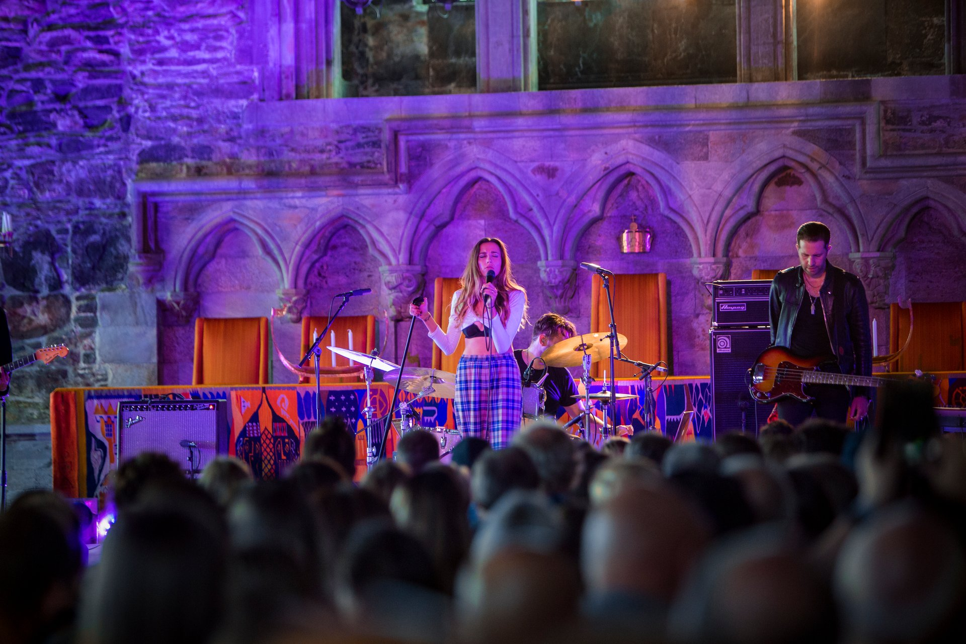 Cloves performing in the Haakon's Hall 2020