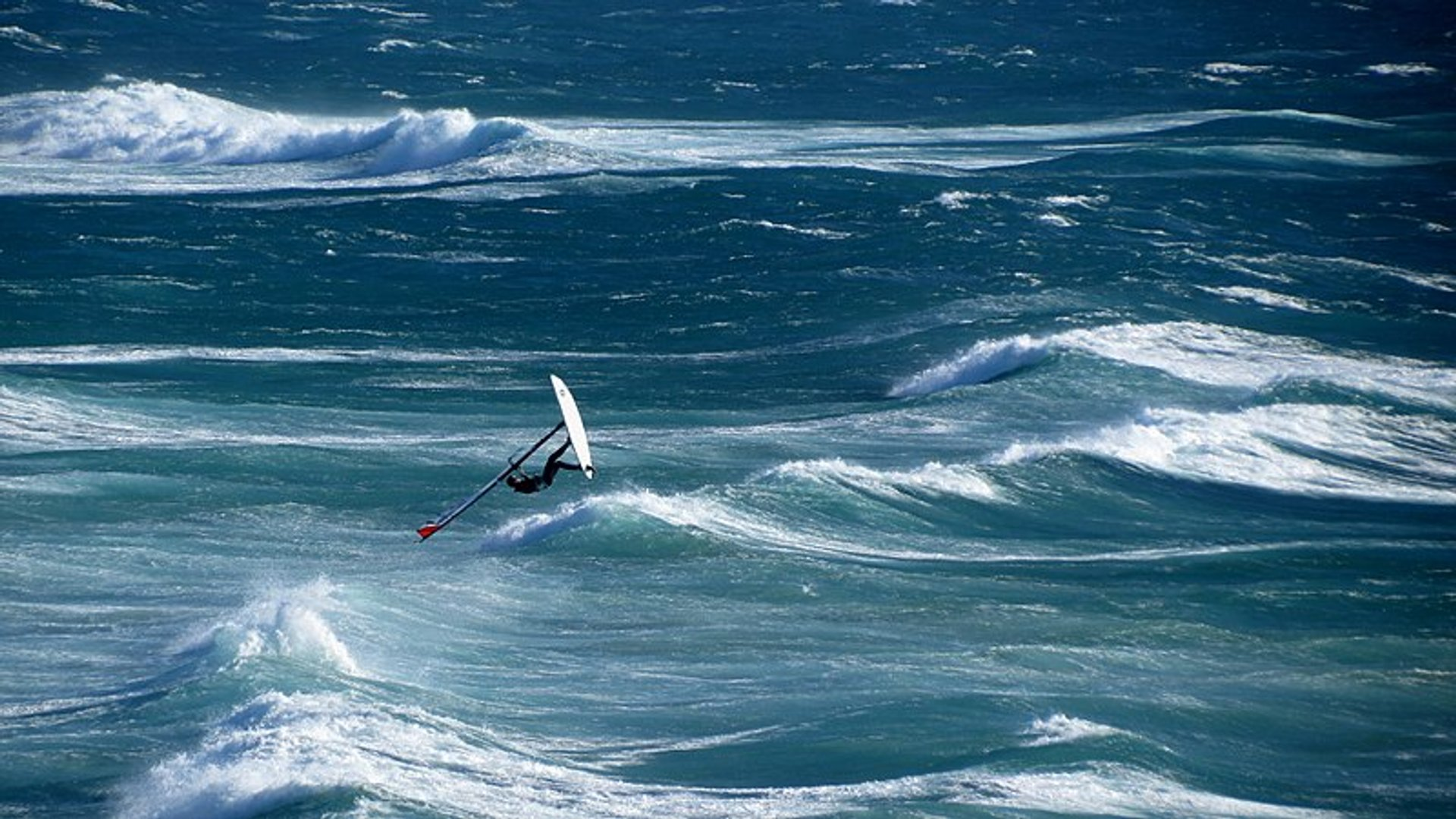 Kitesurfing and Windsurfing in Portugal - Best Season 2020