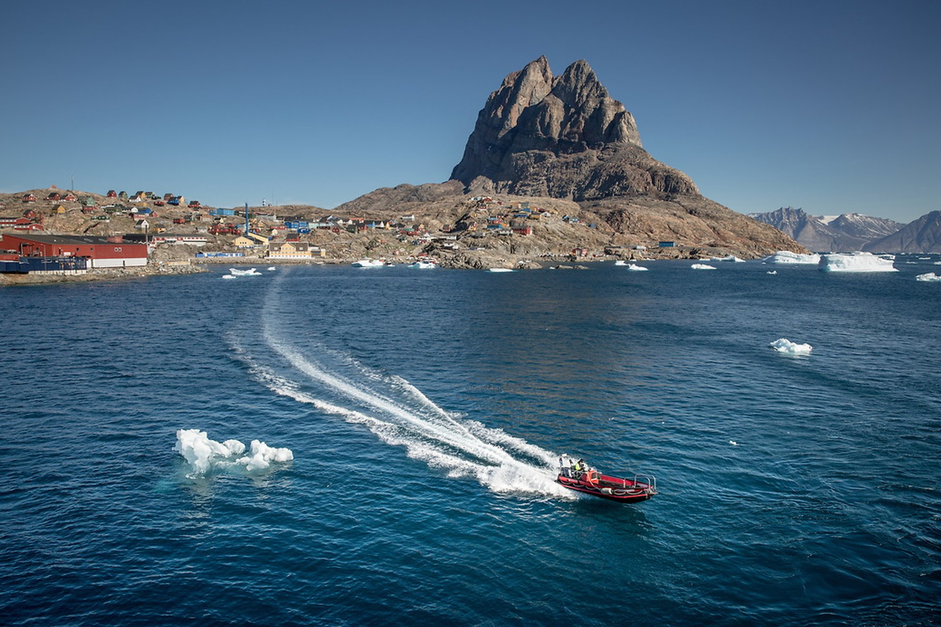 Best time to see Cruising in Greenland 2020