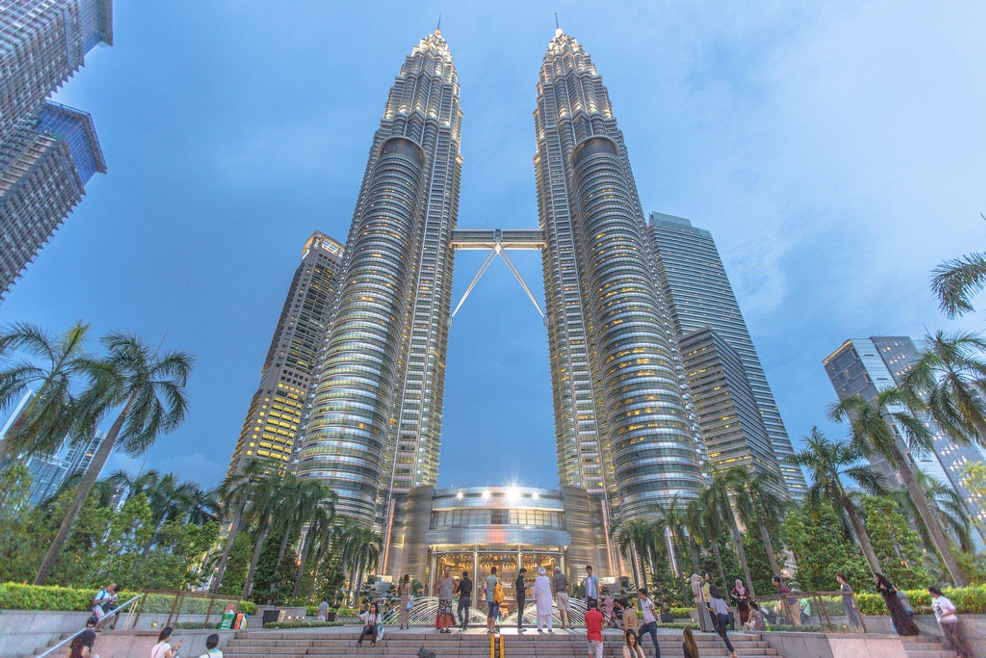 Petronas Twin Towers in Kuala Lumpur 2019 - Best Time