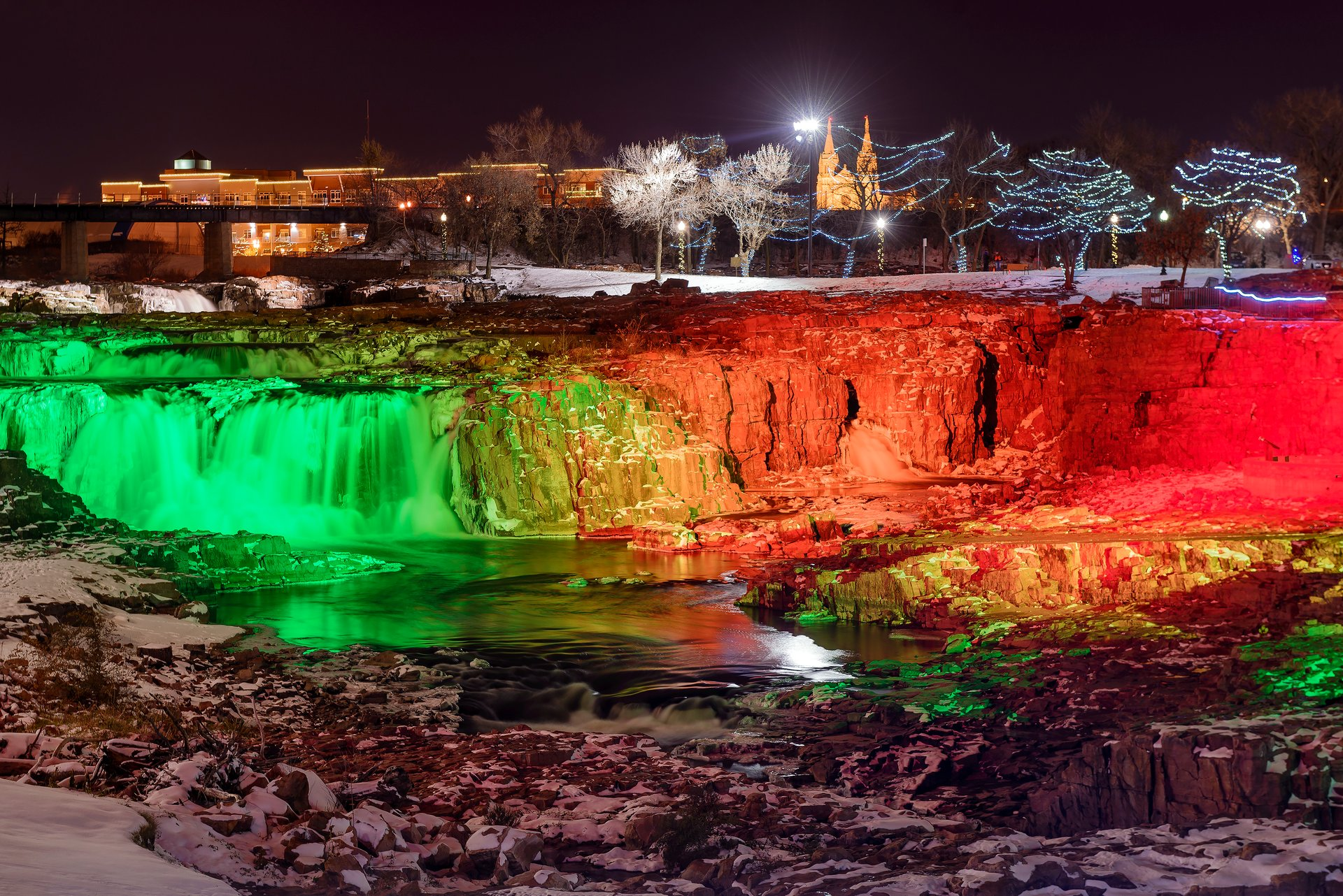 Winter Wonderland at Falls Park in South Dakota 2020 - Best Time