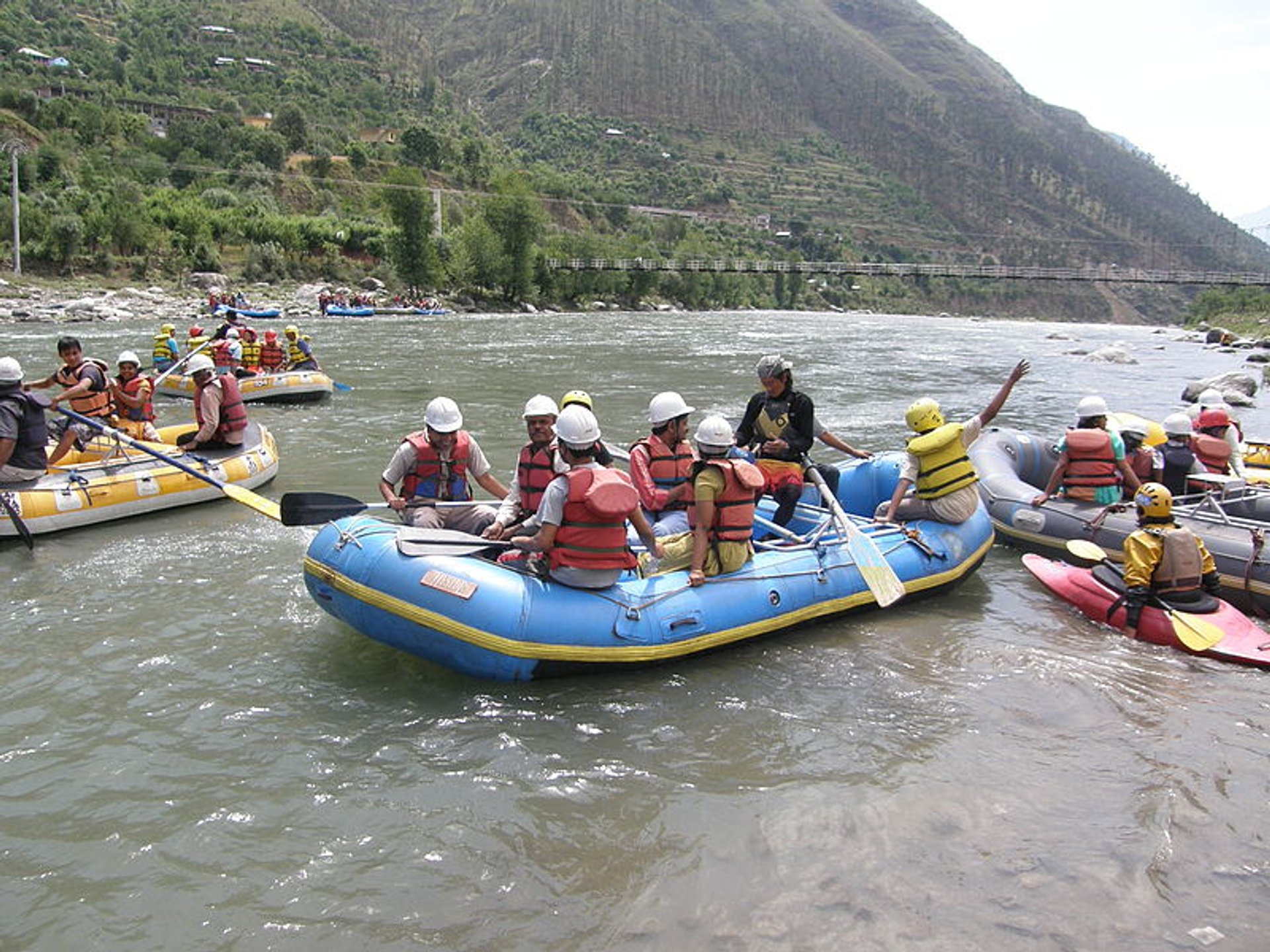 River Rafting in India - Best Season 2020