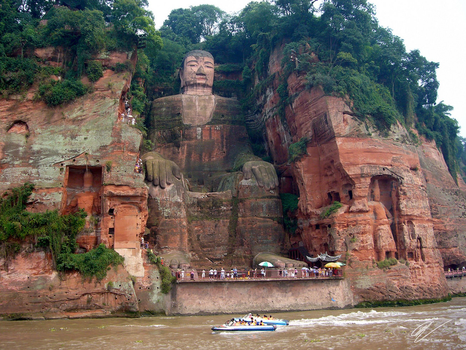 Leshan Giant Buddha in China - Best Season 2020