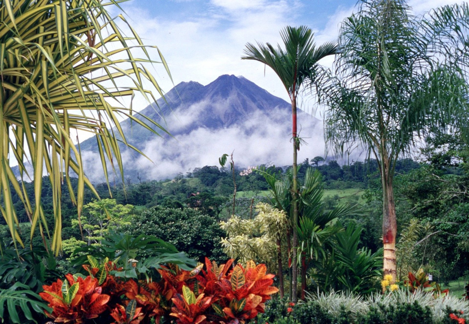 Arenal Volcano in Costa Rica 2019 - Best Time