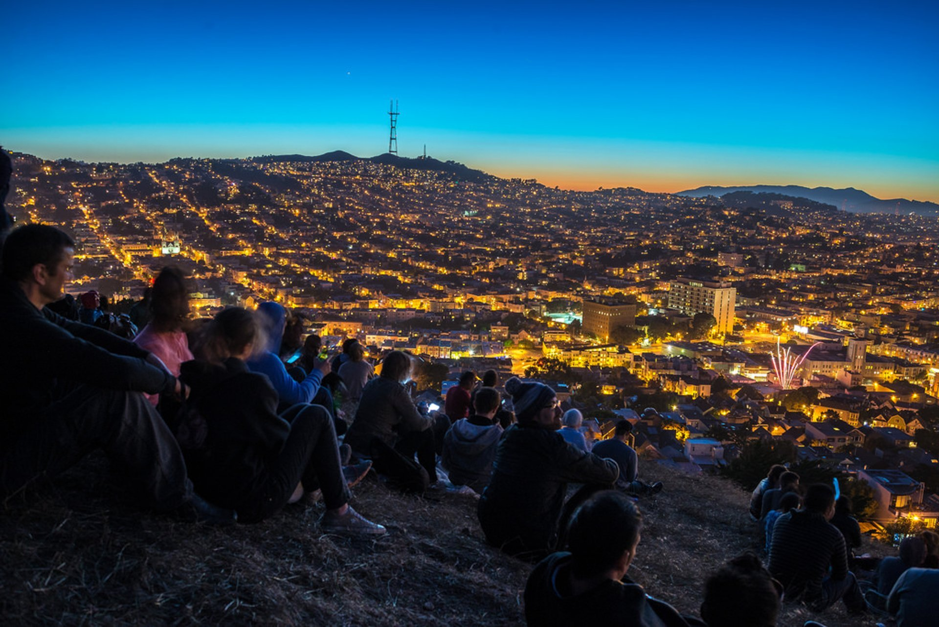 4th of July Fireworks, Bernal Heights Park, San Francisco 2020