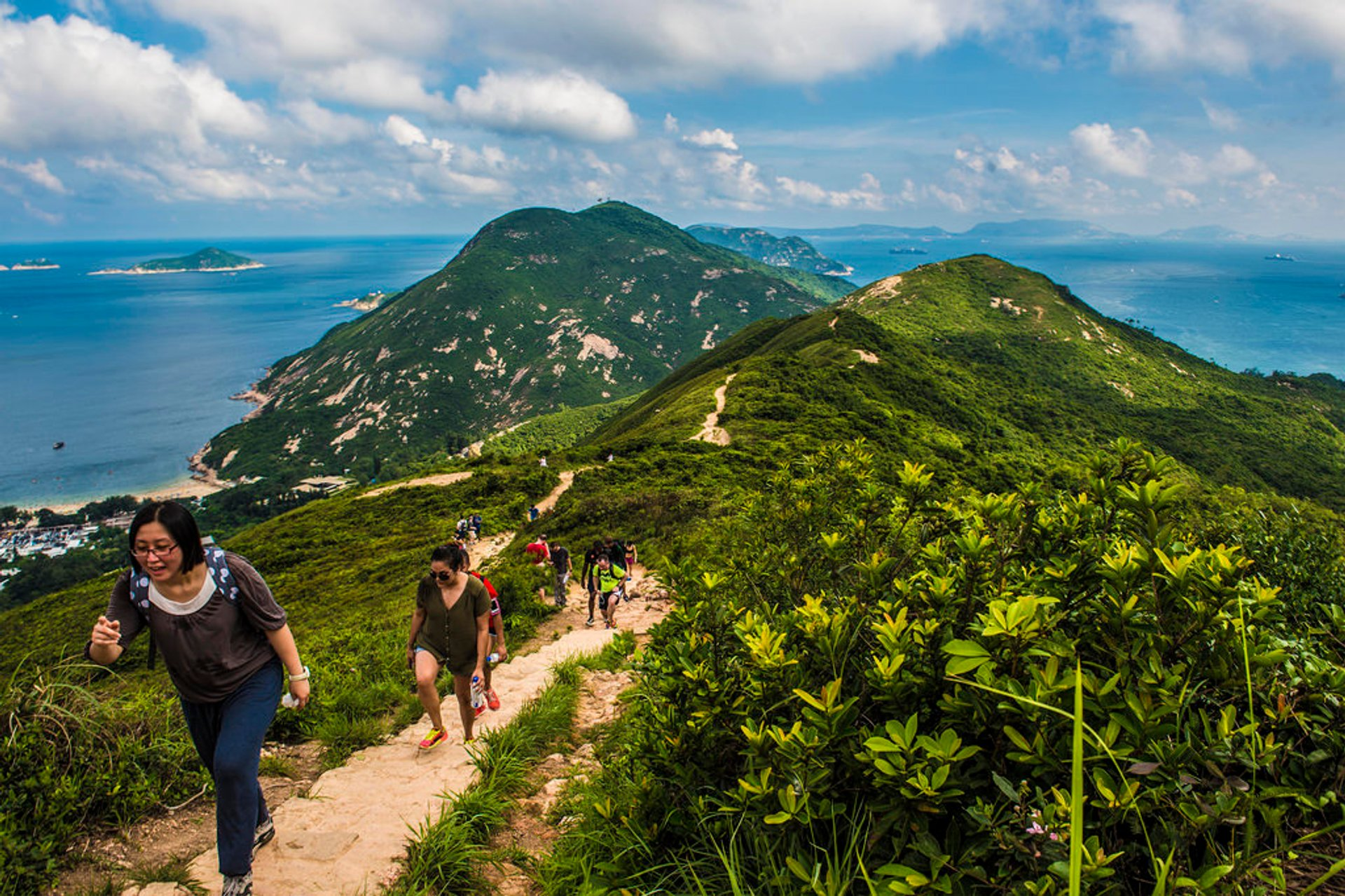 Hiking the Dragon's Back in Hong Kong 2020 - Best Time