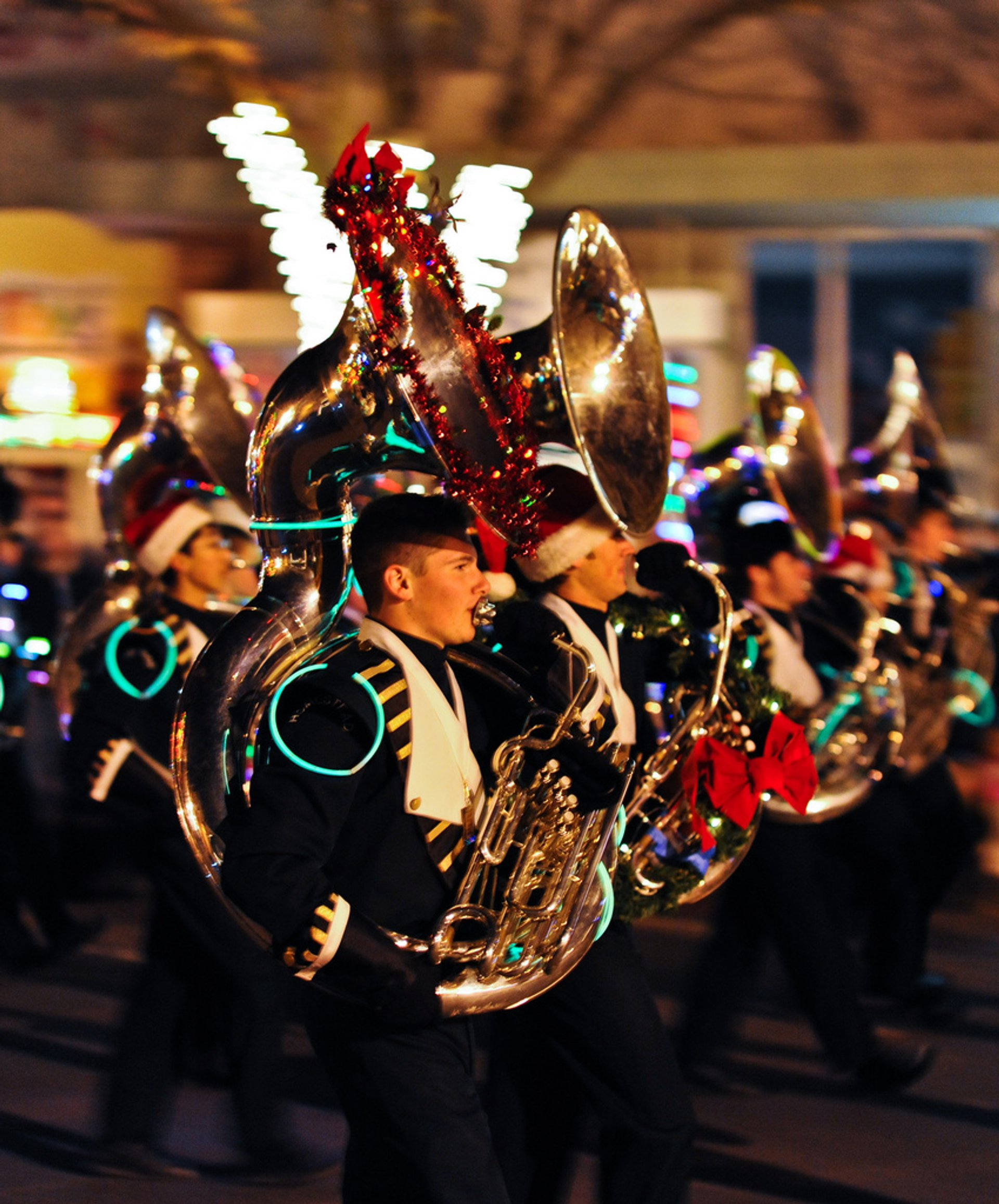Best time for Los Altos Festival of Lights Parade 2020