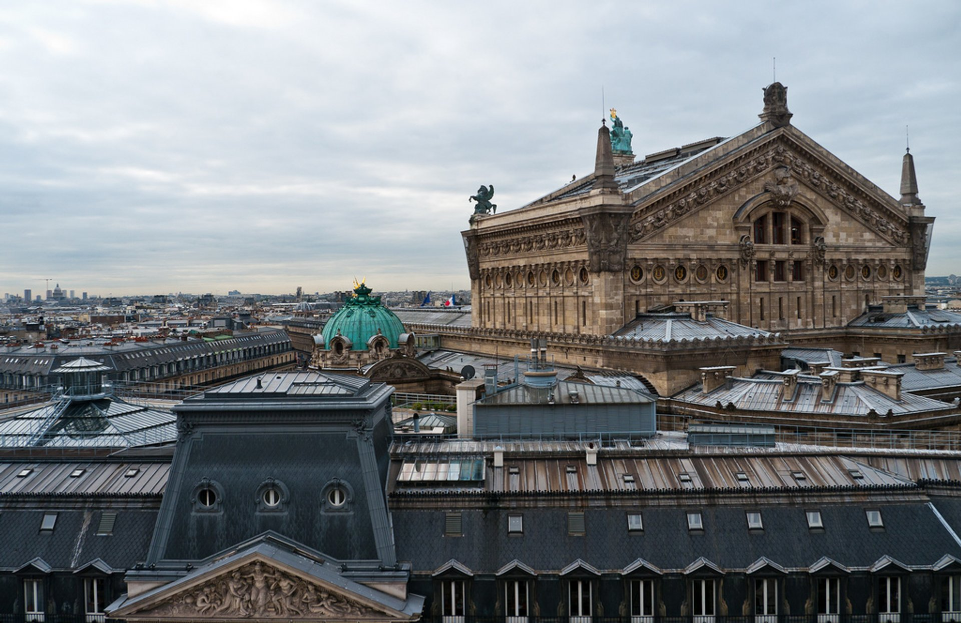 Best time to see Terrace of the Galeries Lafayette in Paris 2019
