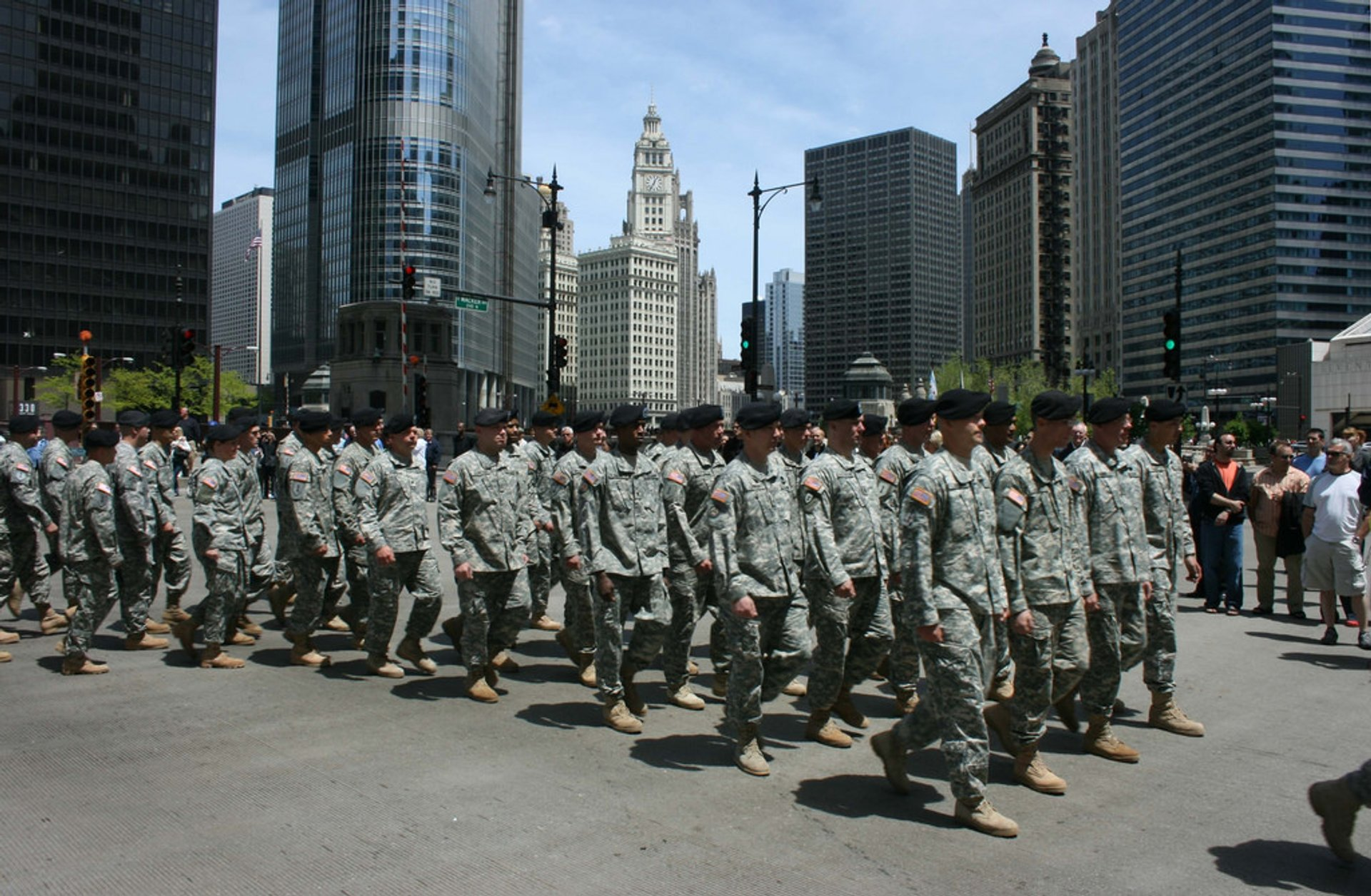 Memorial Day Parade in Chicago - Best Season 2019