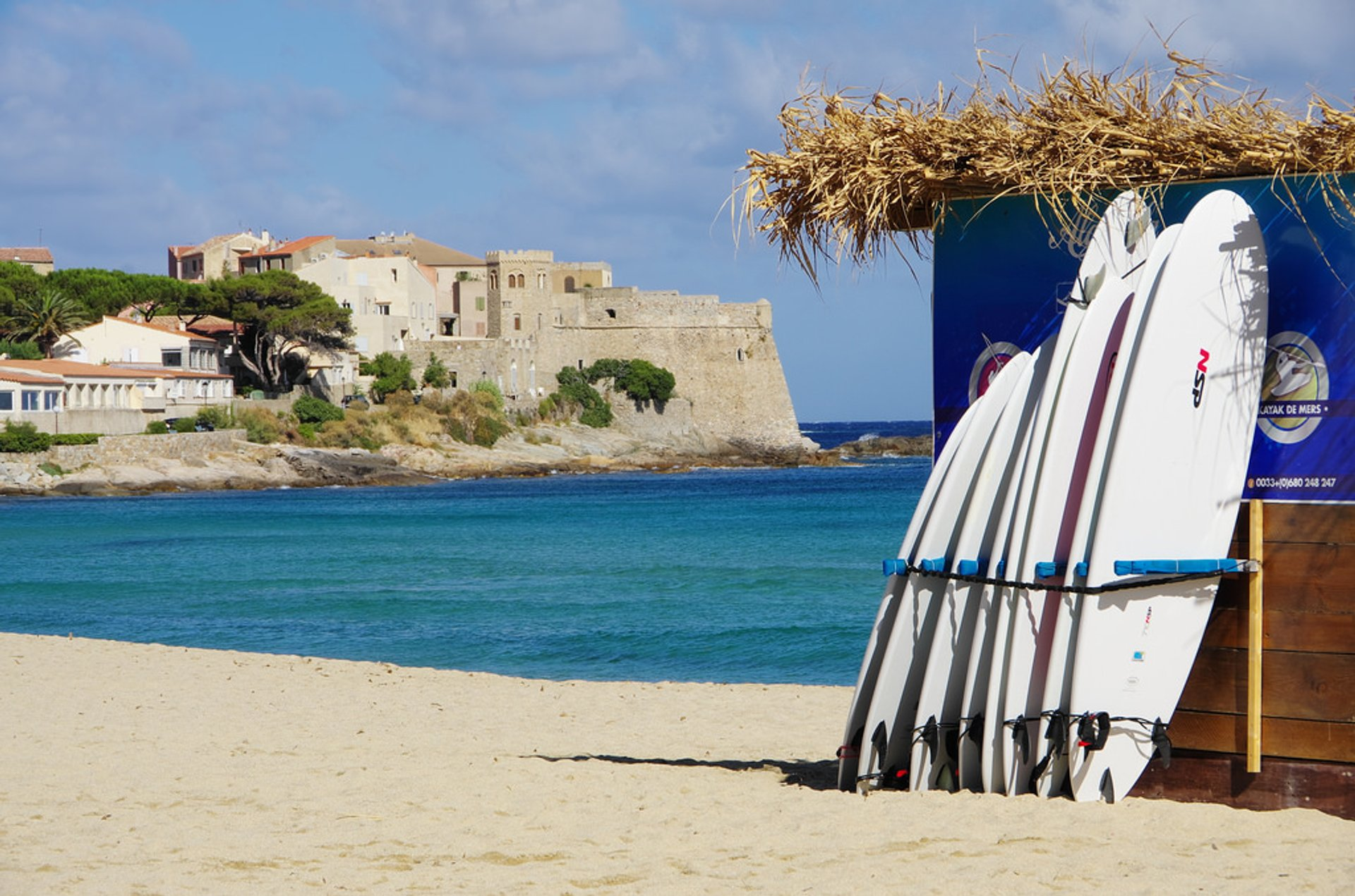 Best time for Surfing in Corsica