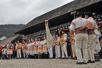 Fašiangy Karneval im Dorf Čičmany