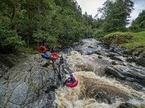 Tubing de aventura y bugs de río