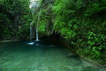 Rio Buti, um buraco de natação de água fria