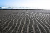 Spiaggia di sabbia nera Piha