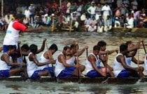 Snake Boat Races (Vallam Kali)
