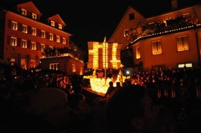Räbechilbi: Gourd-Lantern Parade in Richterswil