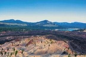 Dunes peintes dans le parc national volcanique de Lassen
