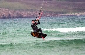 Kitesurfing & Windsurfing