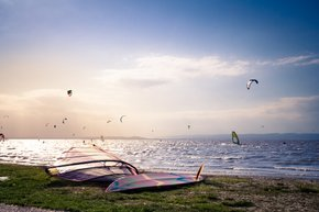 Wind- and Kitesurfing