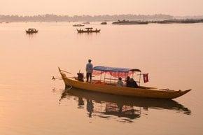 Viagem de barco do rio Mekong