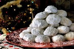 Kourampiedes (Kourabiethes) — Griechische Weihnachtsbutter-Kekse