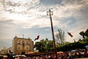 Mayan Pole Flyer Dancing or El Baile del Palo Volador