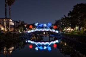 Venice Canals Christmas Lights