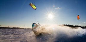 Snowkiting (Kiteskiing)