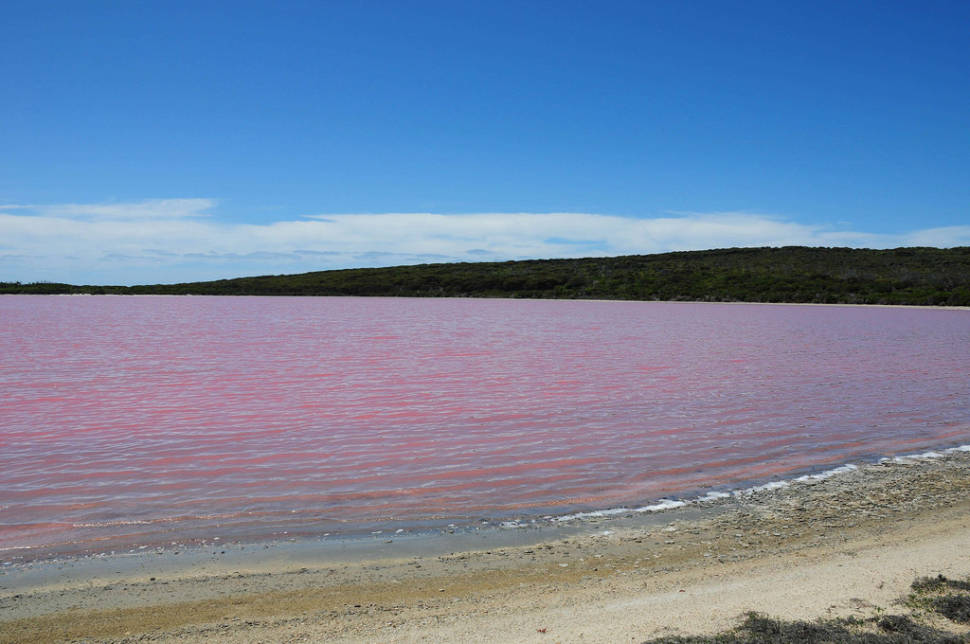 Best time for Lake Hillier in Western Australia