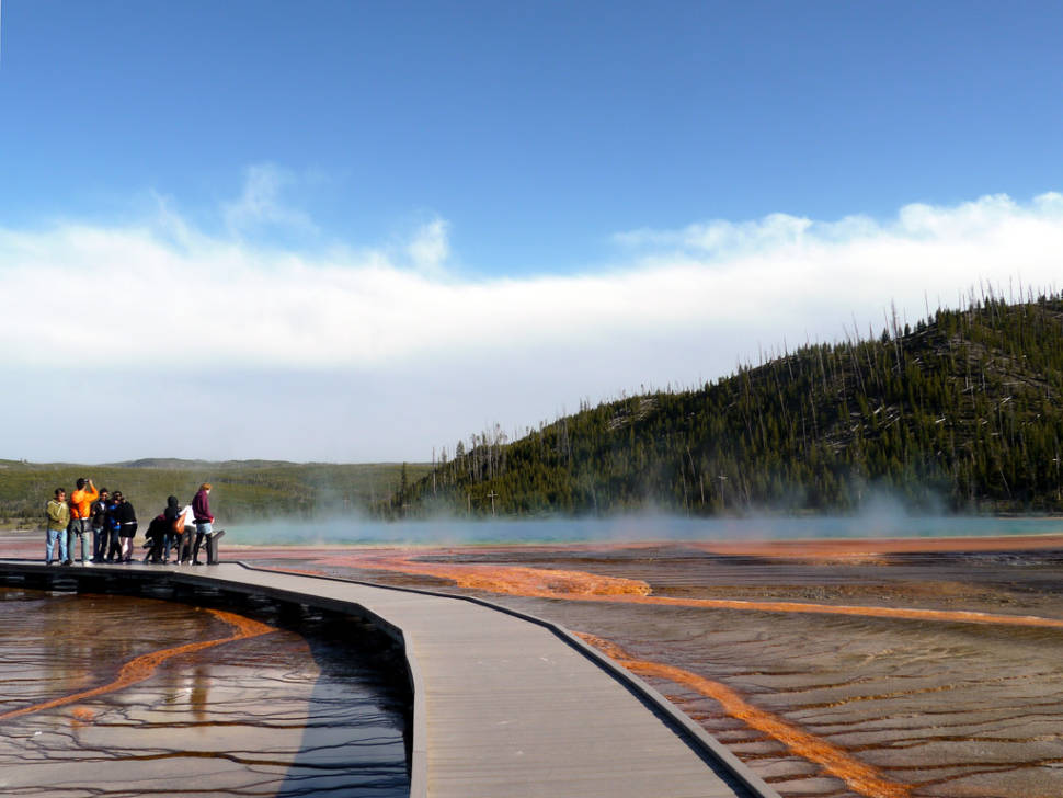 Best time to see Grand Prismatic Spring in Yellowstone National Park