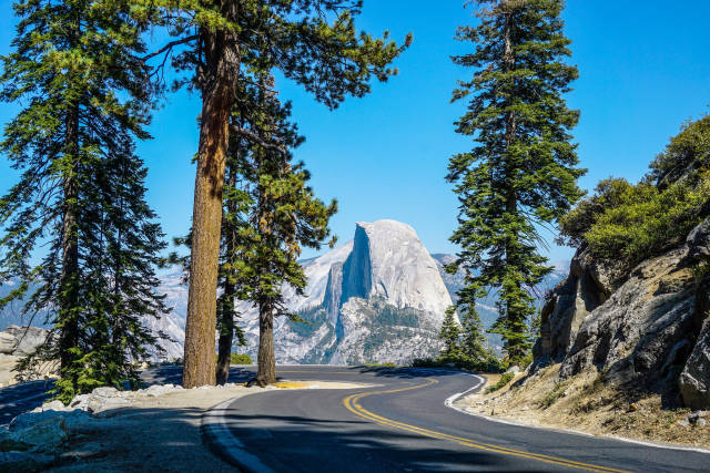 The road to the Glacier Point