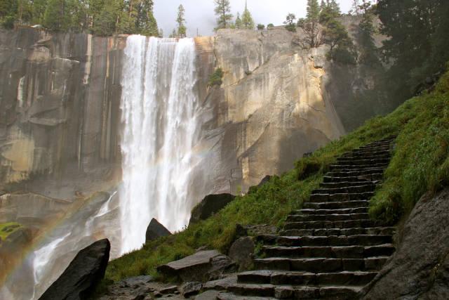 Mist Trail in Yosemite - Best Time